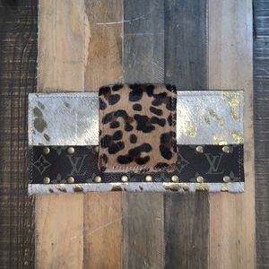 Clutch with Authentic LV accent strip - new